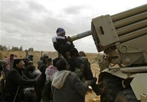 Fuerzas leales a Gaddafi recuperan Misrata y rebeldes se repliegan hacia el este