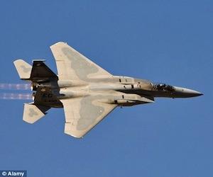 Aviones de la OTAN bombardean universidad en Trípoli