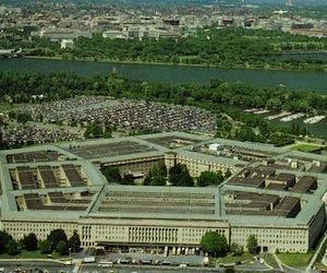 Portavoz del Pentágono reveló que aviones de EEUU siguen bombardeando Libia