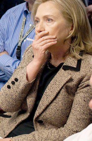 Clinton se mordió la lengua