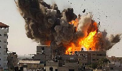La OTAN sigue atacando duramente a Trípoli: bombardeos a la luz del día