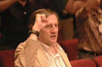 El eurodiputado Meyer quiere mano dura en IU para los que no apoyen al PSOE