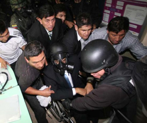 Dictan primeras sentencias contra policías sublevados en Ecuador
