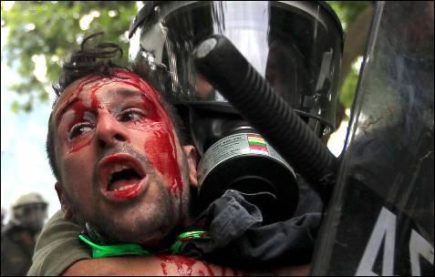 Las reformas desatan la violencia en Atenas