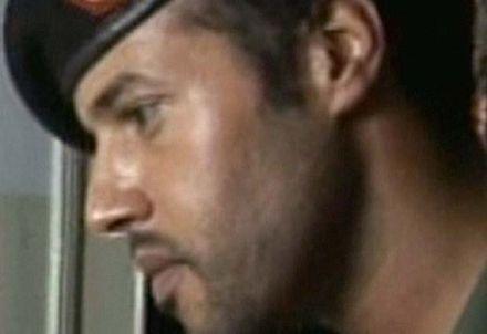 Televisora libia desmiente muerte de hijo militar del Muammar Al Gaddafi