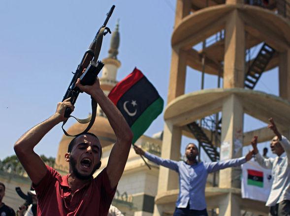 Trípoli: 2.000 mercenarios enemistados con el CNT toman control del aeropuerto